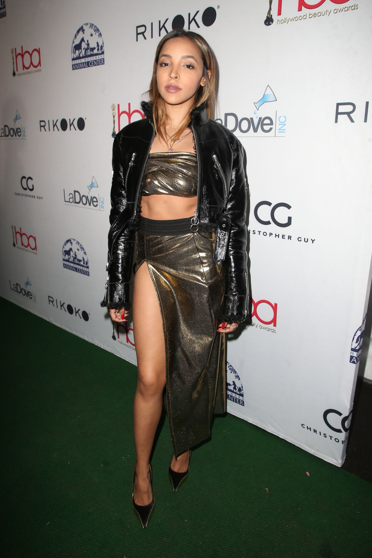 Tinashe 2018 Hollywood Beauty Awards In La