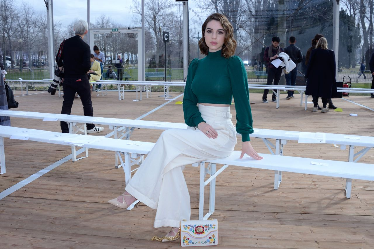 Adelaide kane beautiful people show fw18 in paris for Pool show adelaide 2018
