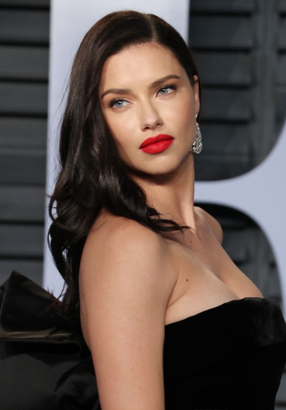 Adriana Lima – 2018 Vanity Fair Oscar Party in Beverly Hills