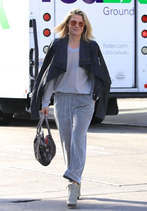 Ali Larter - Out for Lunch at Gracias Madre in West Hollywood