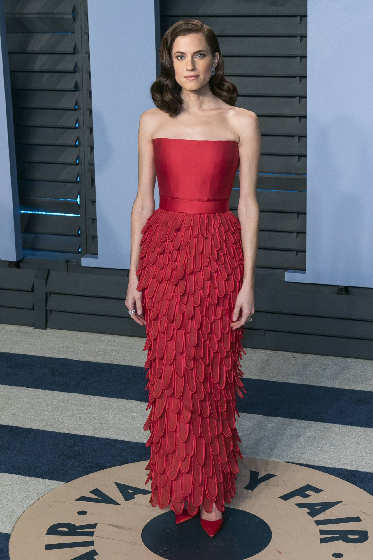 http://celebmafia.com/wp-content/uploads/2018/03/allison-williams-2018-vanity-fair-oscar-party-in-beverly-hills-3.jpg