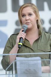 """Amy Schumer – Meet Up at the Anti-Gun """"March For Our Lives"""" Rally in LA"""