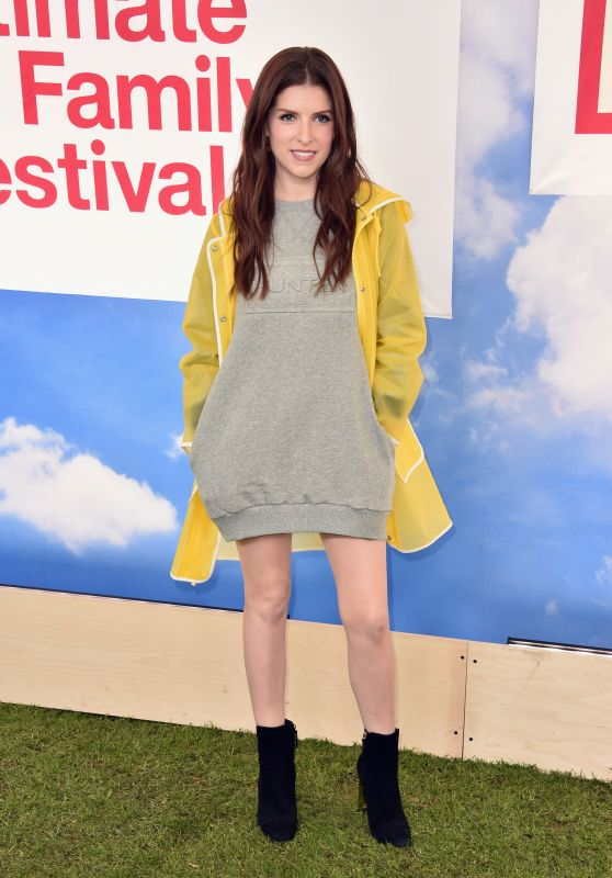 Anna Kendrick – Hunter for Target Ultimate Family Festival in Pasadena