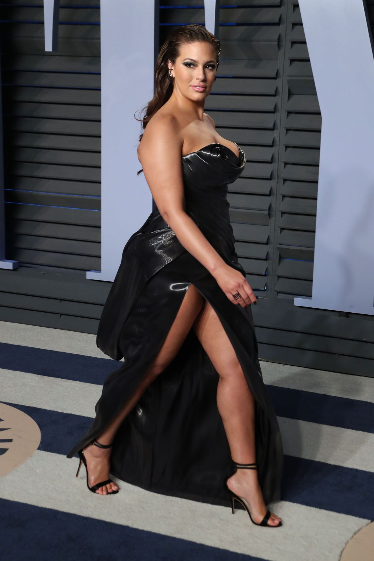 Ashley Graham – 2018 Vanity Fair Oscar Party in Beverly Hills