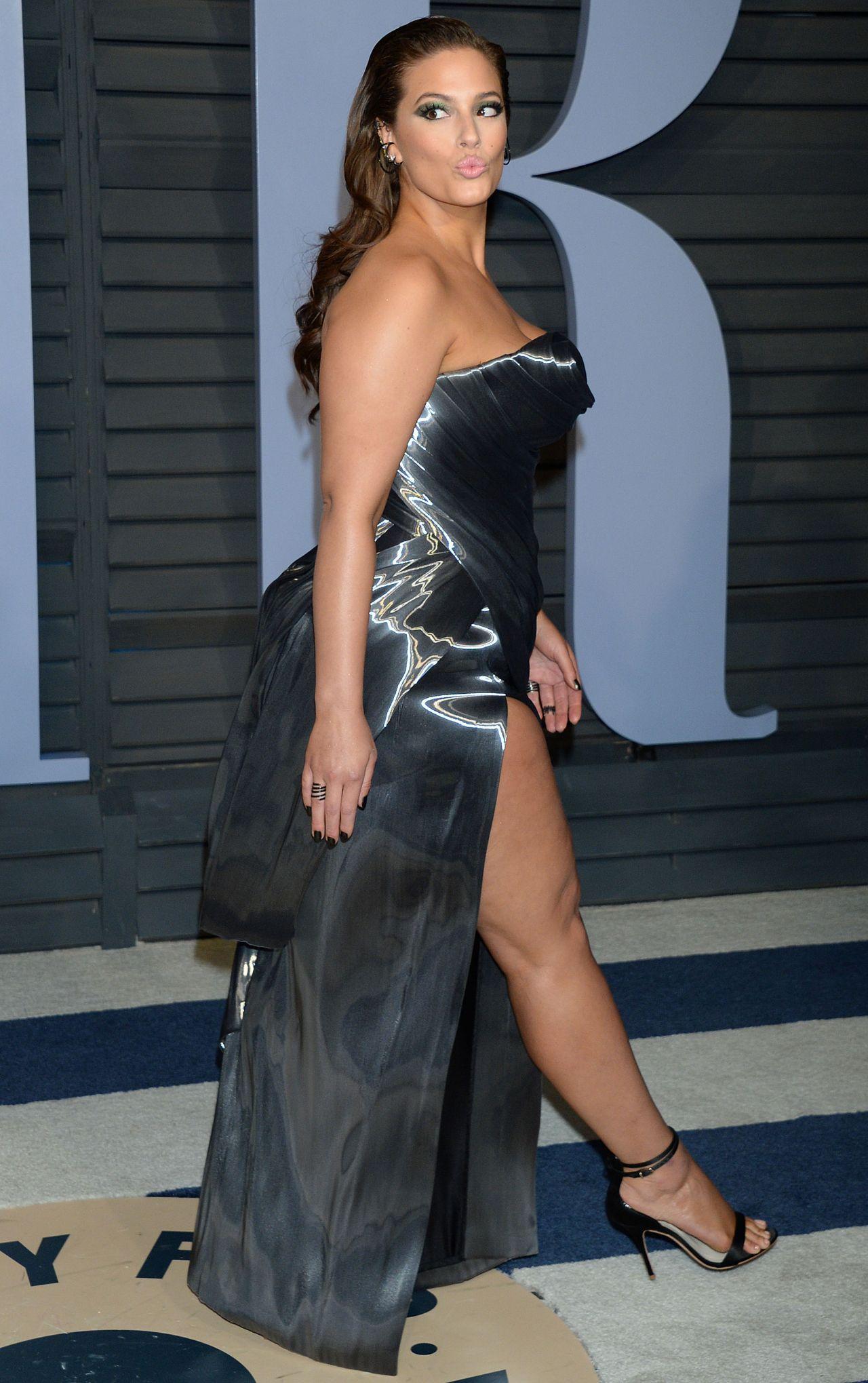 Ashley Graham 2018 Vanity Fair Oscar Party In Beverly Hills
