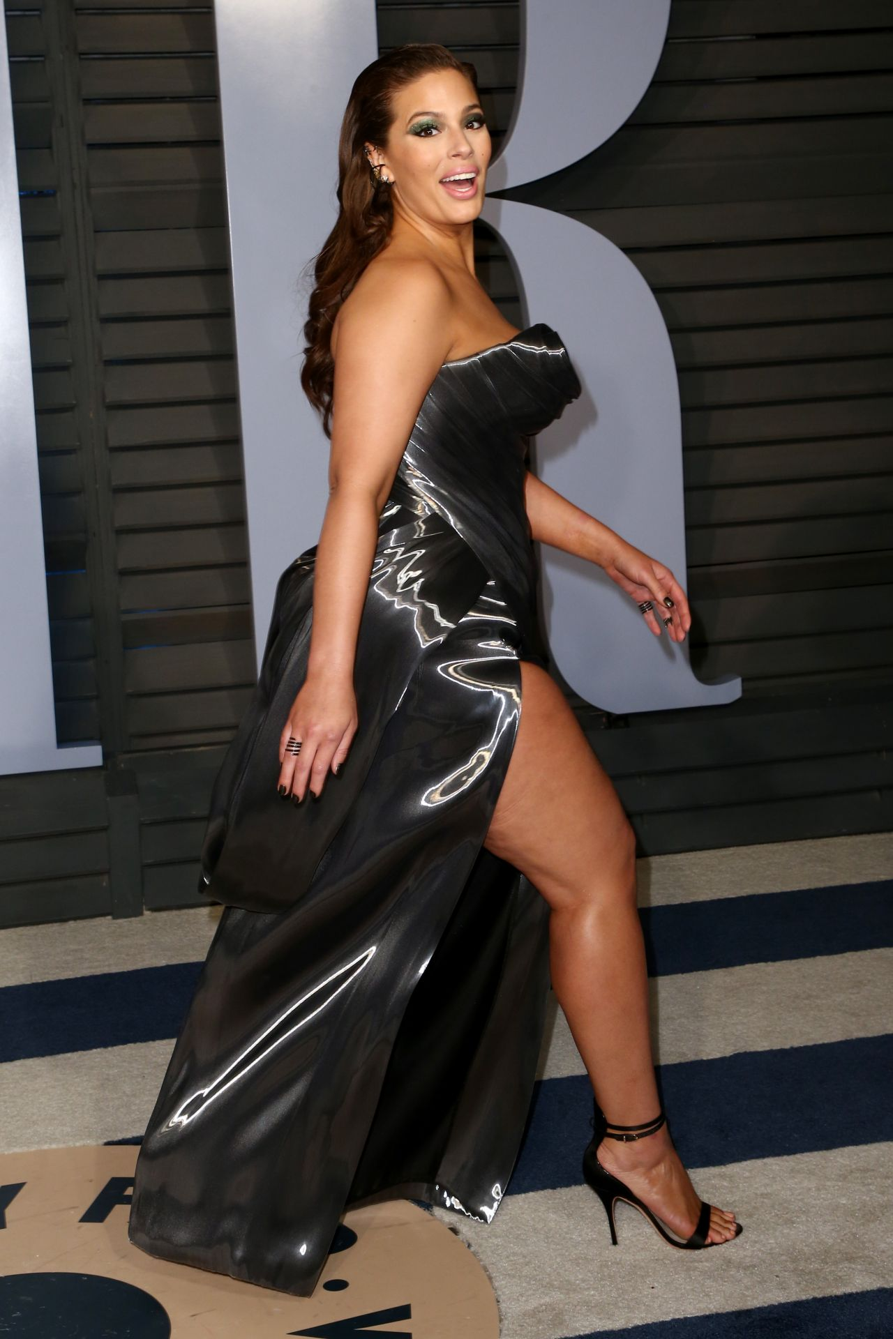 Miss Universe 2018 Images >> Ashley Graham – 2018 Vanity Fair Oscar Party in Beverly Hills