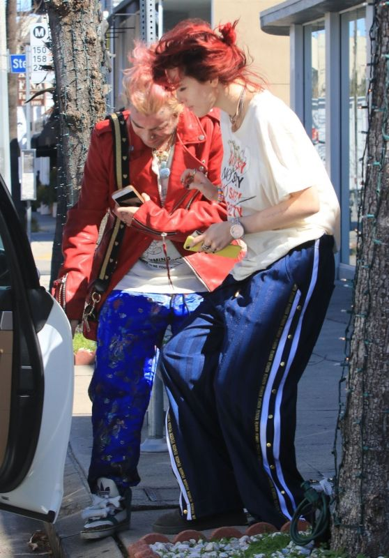 Bella Thorne - Out for Lunch in Studio City 03/26/2018