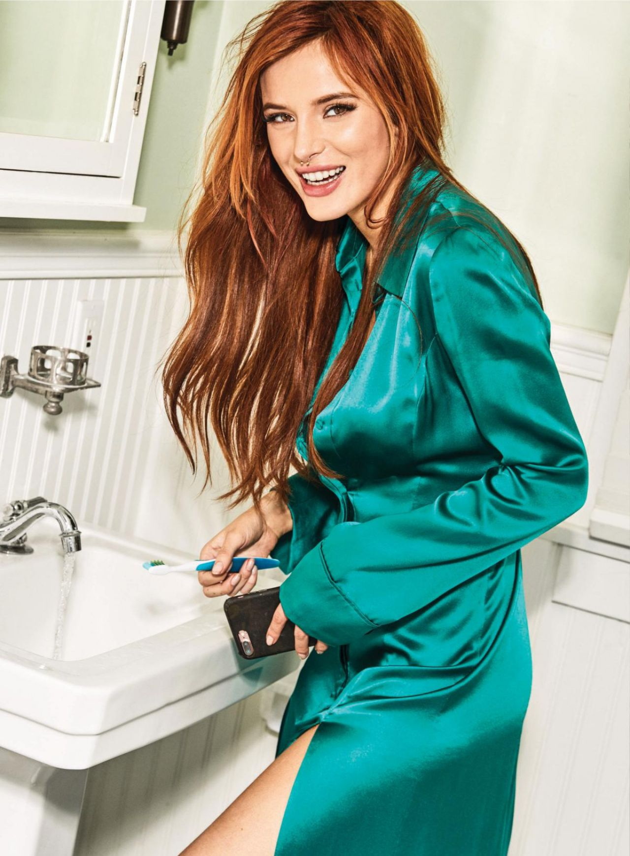 bella thorne shows off - photo #10