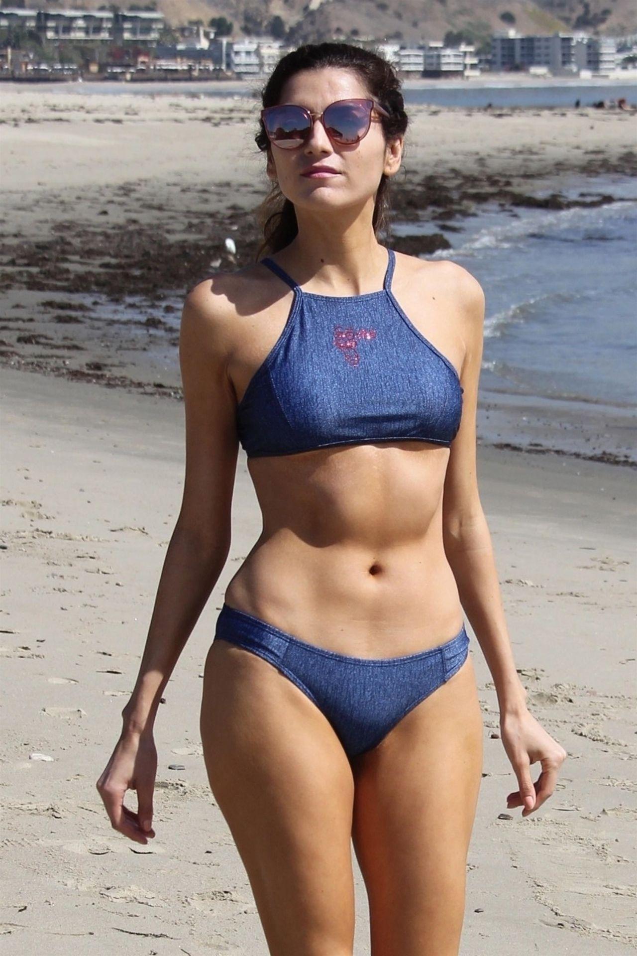 Hi 5 Charli Robinson >> Blanca Blanco in a Blue Bikini - Walk Along the Beach in Malibu 03/13/2018