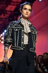 Blanca Padilla Walks Elie Saab Show FW18 in Paris