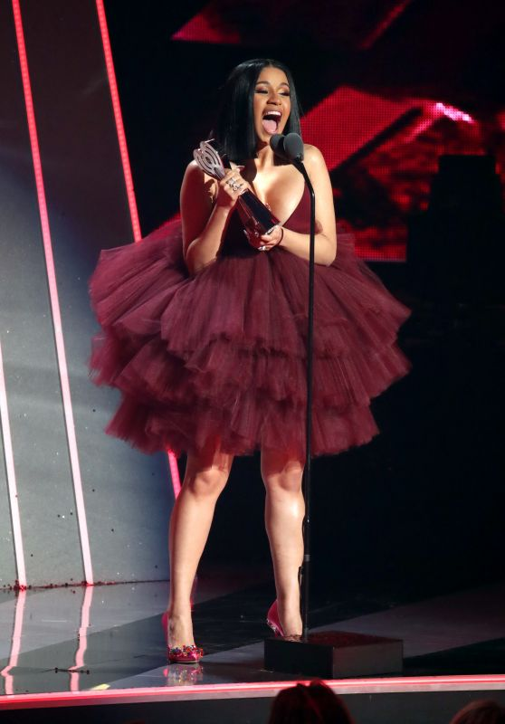 Cardi B Actually Heartbroken Despite Putting On Brave: Performs At 2018 IHeart Radio Music Awards In LA