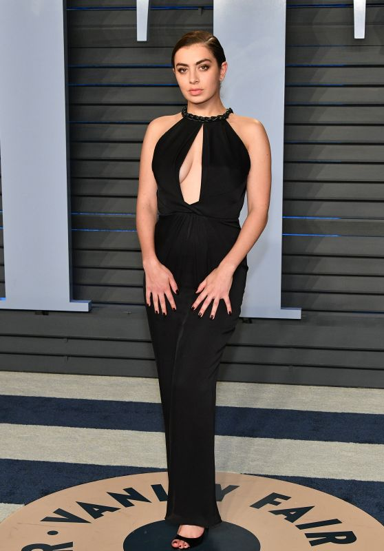Charli XCX – 2018 Vanity Fair Oscar Party in Beverly Hills