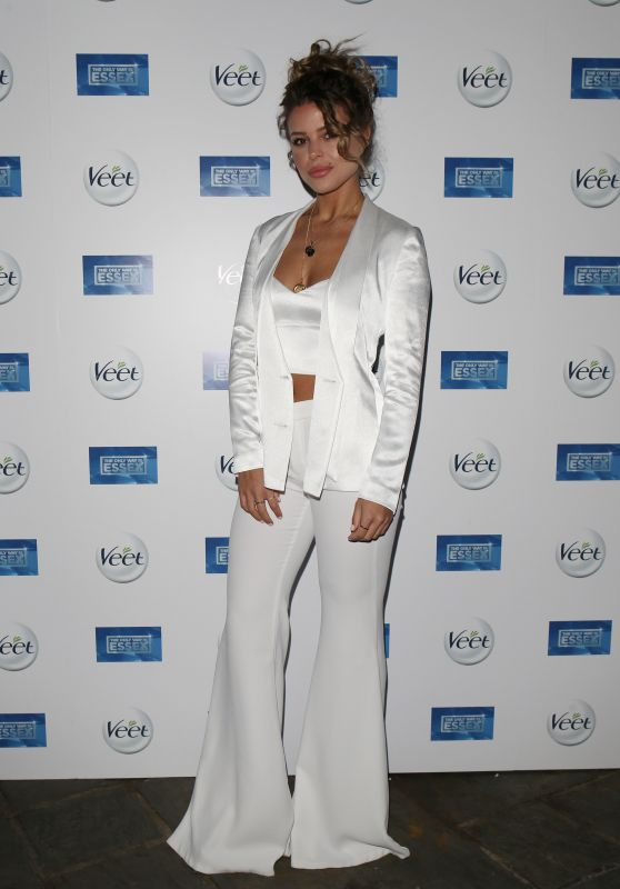 """Chloe Lewis – """"The Only Way Is Essex"""" TV Show Premiere in Chigwell"""