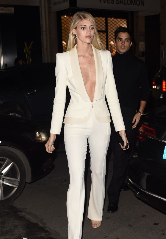 Devon Windsor - Arrives at the Vogue Party in Paris 03/02/2018