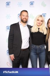 Dove Cameron - Tic Tac Gum Spring Break Launch Party Photo Booth 03/20/2018
