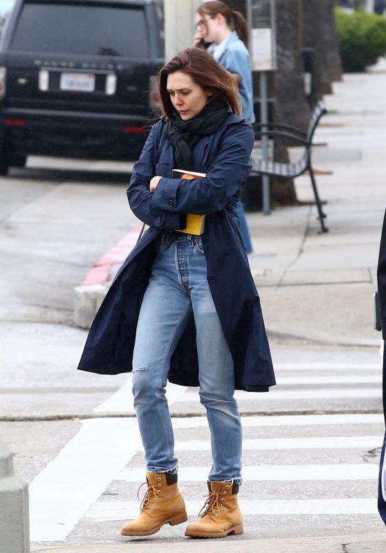 Elizabeth Olsen Wearing Jeans & Jacket - Los Angeles 03/10/2018