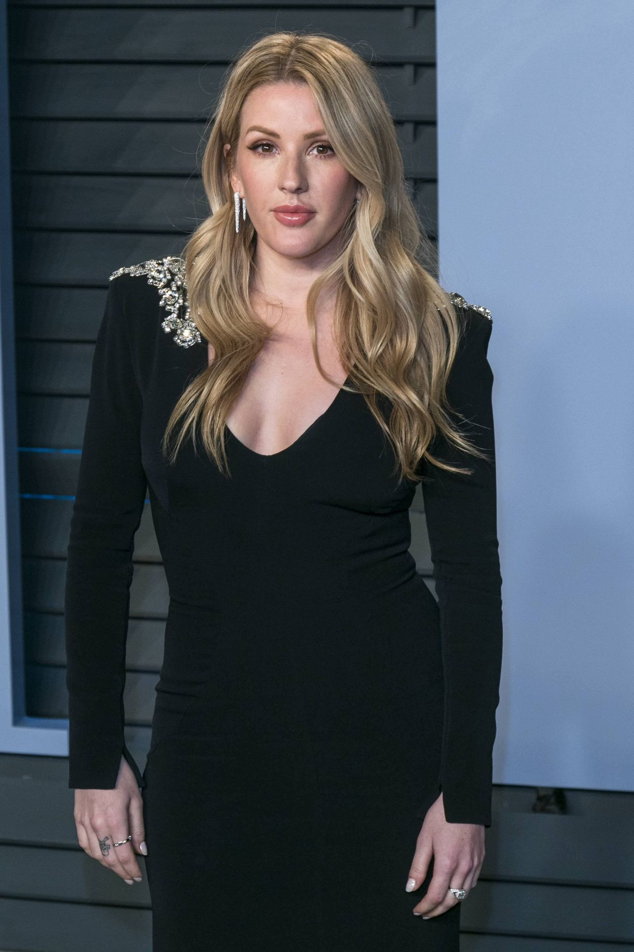 http://celebmafia.com/wp-content/uploads/2018/03/ellie-goulding-2018-vanity-fair-oscar-party-in-beverly-hills-1.jpg
