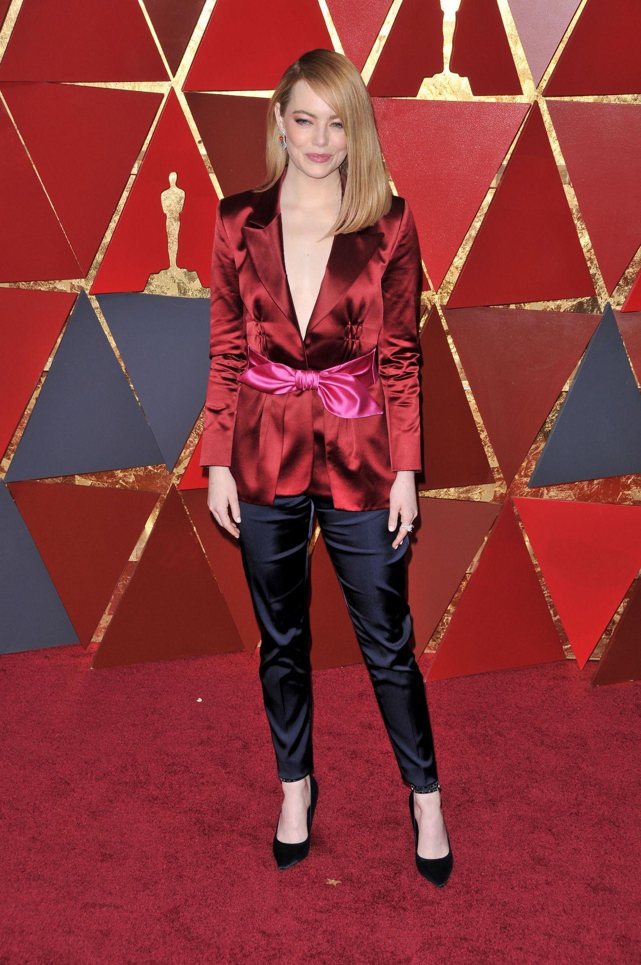 Emma Stone – Oscars 2018 Red Carpet • CelebMafia