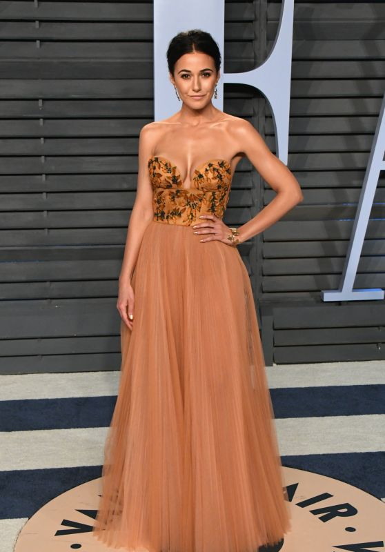 Emmanuelle Chriqui – 2018 Vanity Fair Oscar Party in Beverly Hills