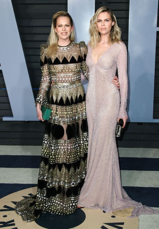 Erin Foster and Sara Foster – 2018 Vanity Fair Oscar Party in Beverly Hills