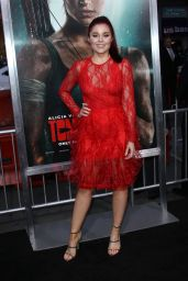 "Erin Robinson – ""Tomb Raider"" Premiere in Hollywood"