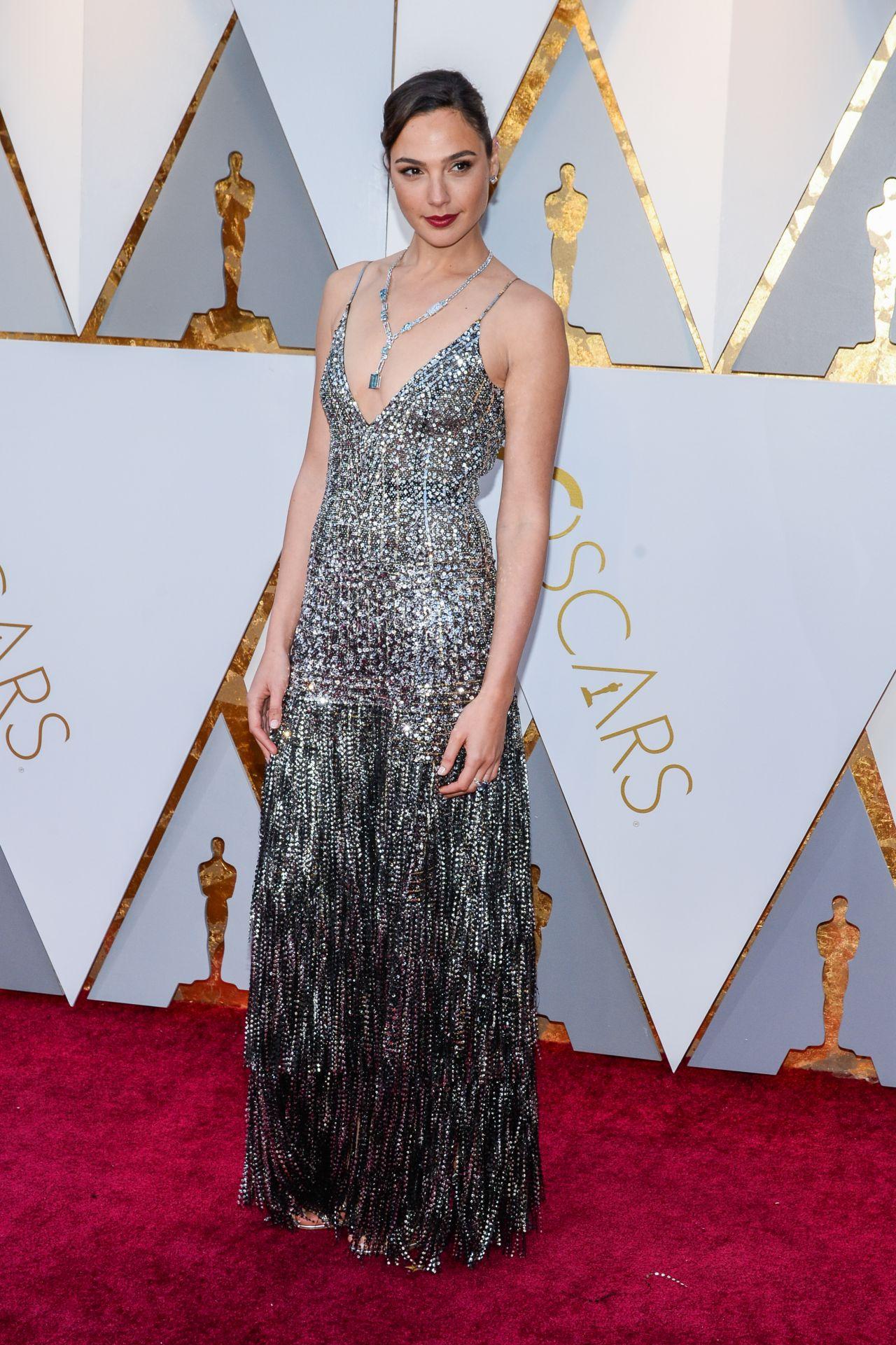 Gal gadot oscars 2018 red carpet - Oscars red carpet online ...