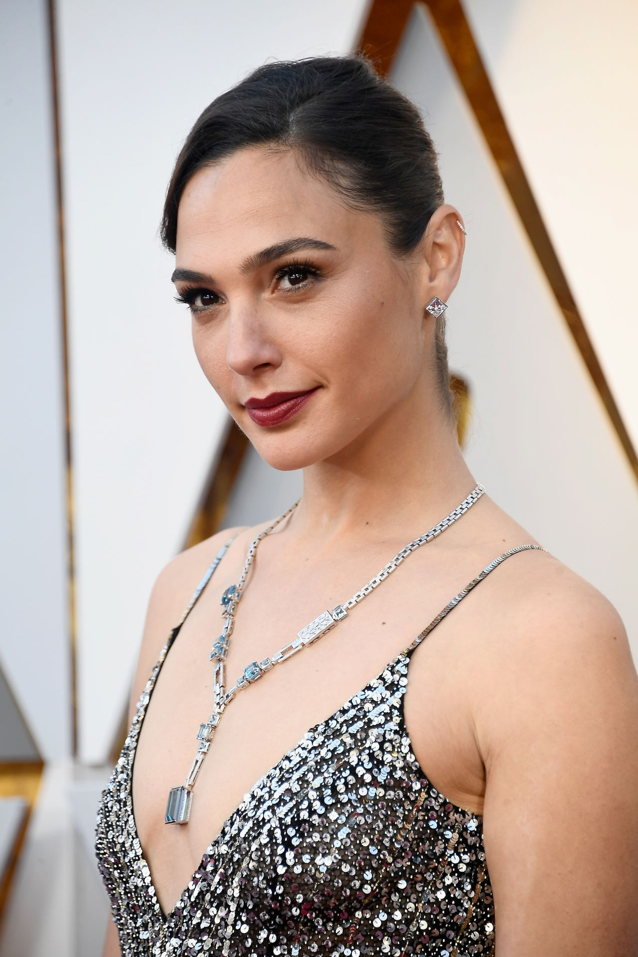 Gal Gadot Oscars 2018 Red Carpet