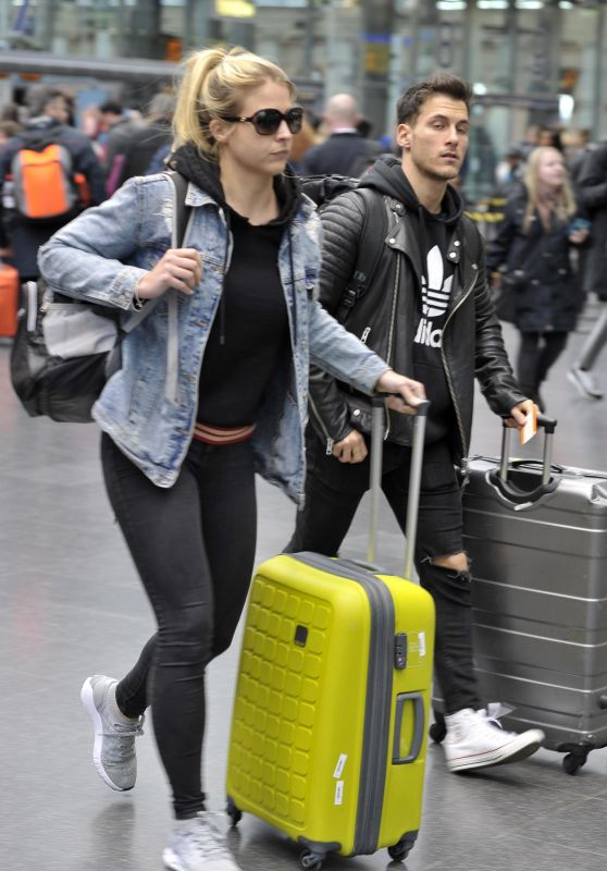 Gemma Atkinson Arriving at Piccadilly Station in Manchester 03/29/2018