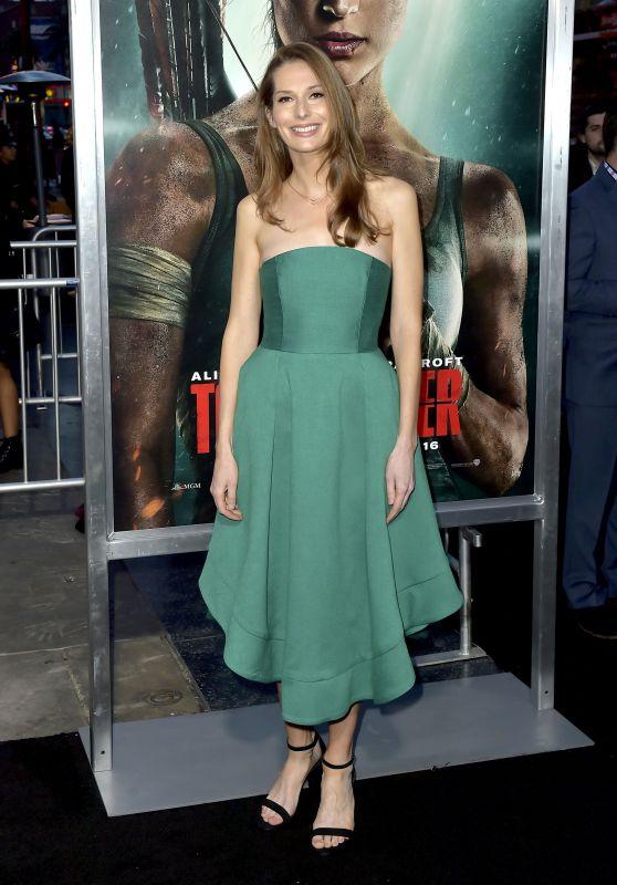 "Geneva Robertson-Dworet – ""Tomb Raider"" Premiere in Hollywood"