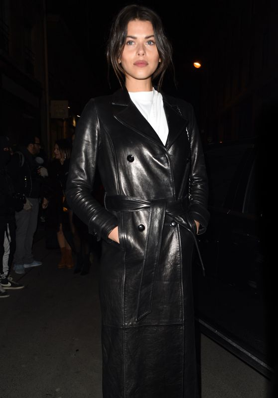 Georgia Fowler - Outside the Off-White Show, Paris Fashion Week 03/01/2018