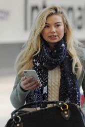 Georgia Toffolo in Travel Outfit - Arrives Back in the UK From LA 03/06/2018