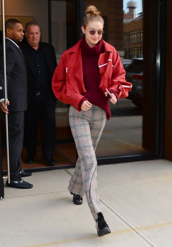 Gigi Hadid - Leaving Her Apartment in New York City 03/15/2018
