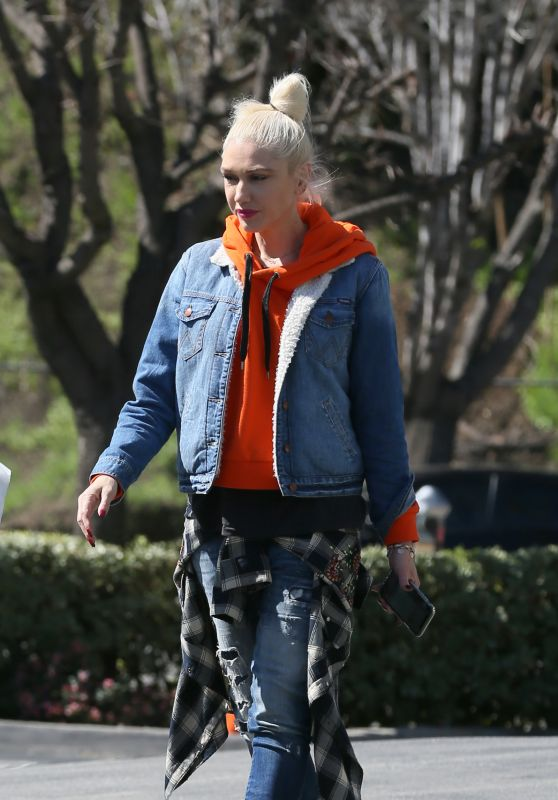 Gwen Stefani Urban Street Style - Los Angeles 03/15/2018