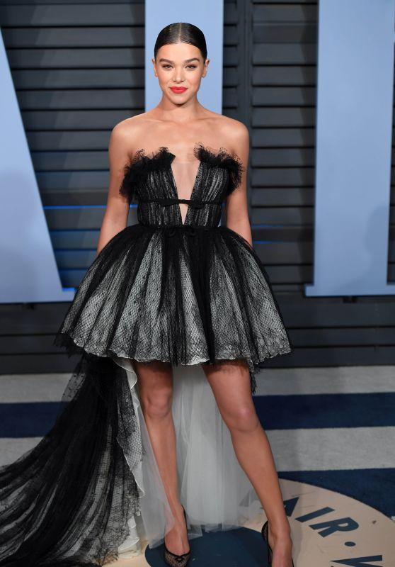 Hailee Steinfeld – 2018 Vanity Fair Oscar Party in Beverly Hills