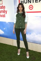 Hailee Steinfeld - Hunter for Target Ultimate Family Festival in Pasadena