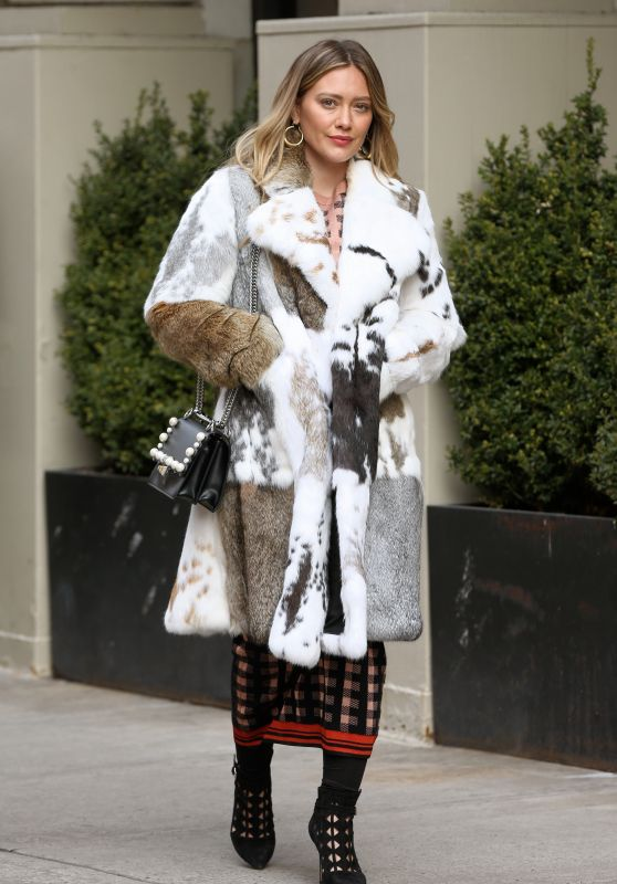 """Hilary Duff - """"Younger"""" Set in New York 03/27/2018"""