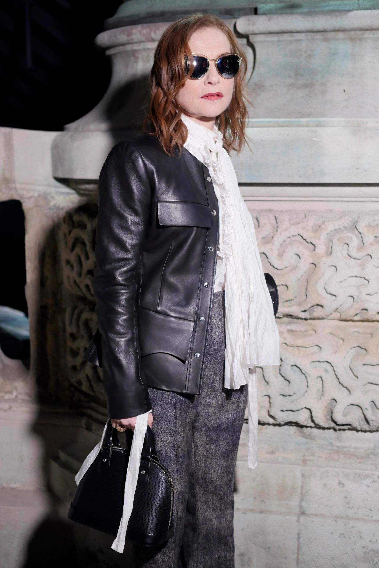 Isabelle Huppert – Louis Vuitton Fashion Show in Paris 03 ...