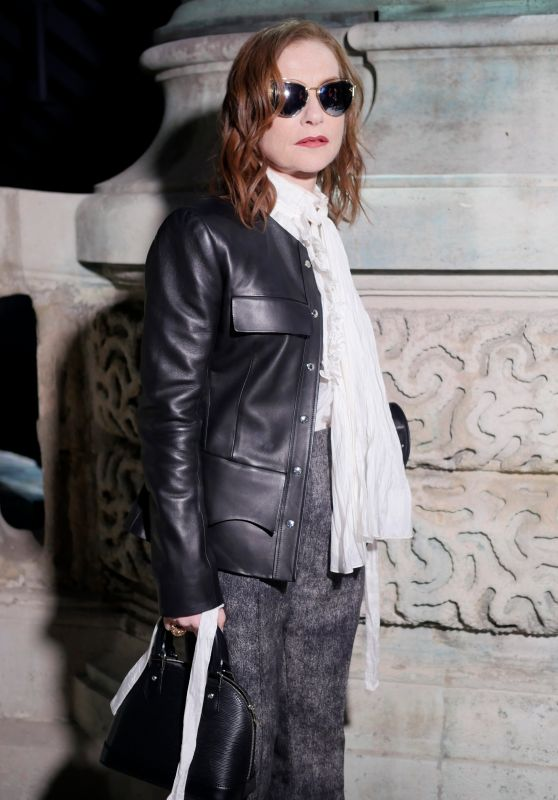 Isabelle Huppert – Louis Vuitton Fashion Show in Paris 03/06/2018