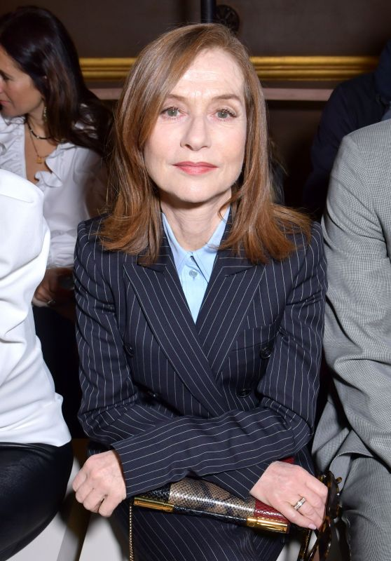 Isabelle Huppert – Stella McCartney Show FW18 in Paris