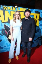 """Jacqui Ainsley – """"Walk Like A Panther"""" Premiere in Manchester"""
