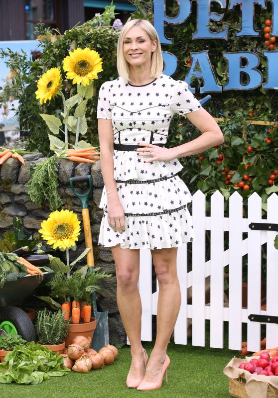 "Jenni Falconer – ""Peter Rabbit"" Premiere in London"
