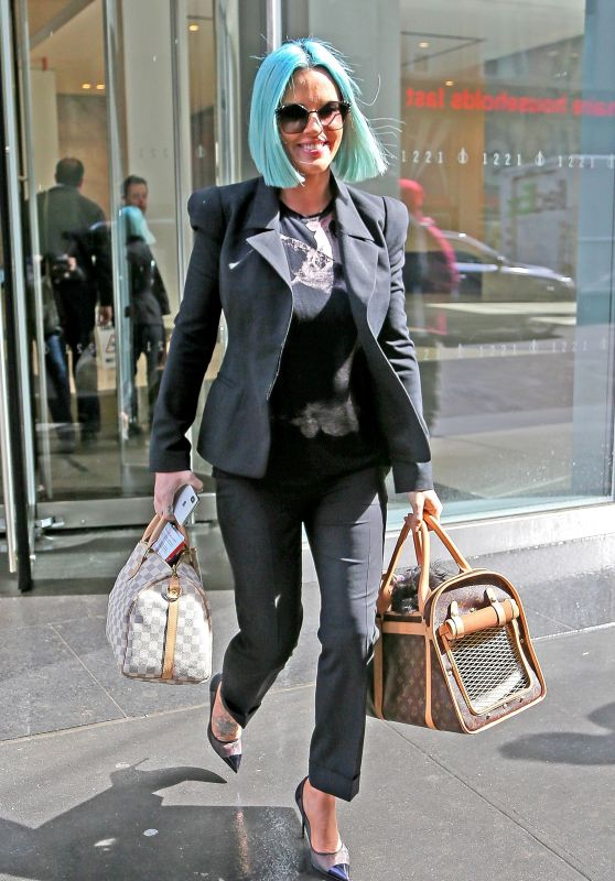 Jenny McCarthy Carrying Her Two Louis Vuitton Bags - Leaving Work in NYC