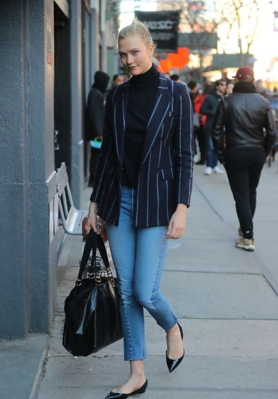 Karlie Kloss in Casual Outfit – New York City 03/26/2018