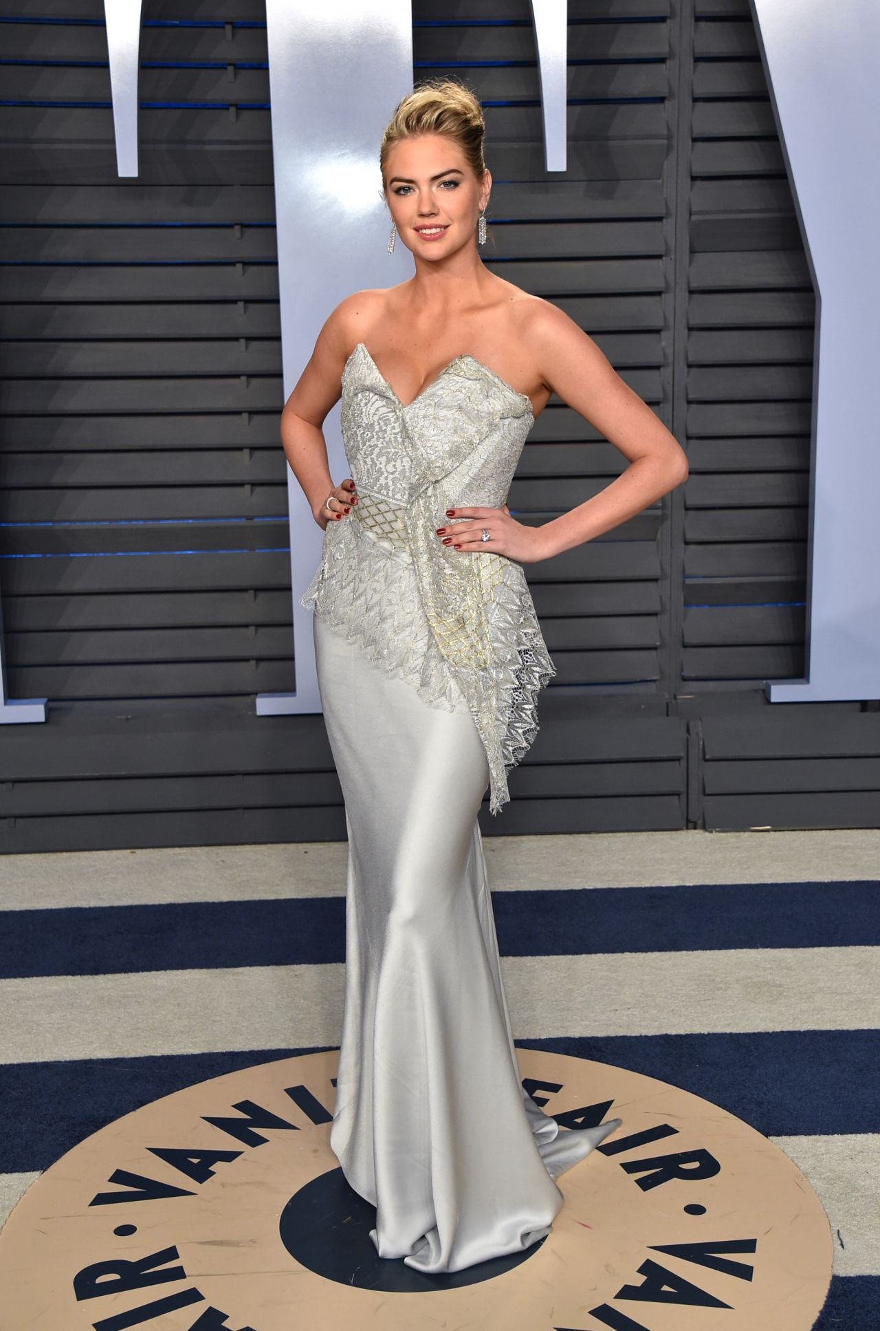 kate-upton-vanity-fair-oscar-2016-party-in-beverly-hills