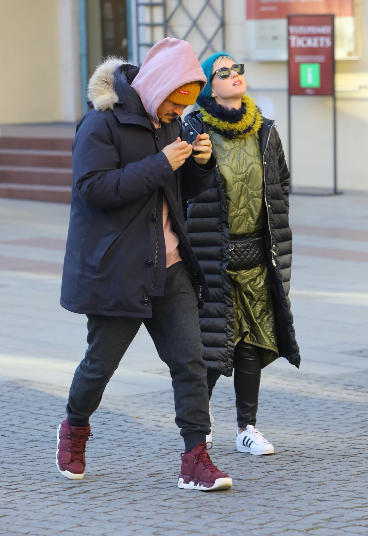 Katy Perry and Orlando Bloom in a Freezing Cold Prague 02 ...
