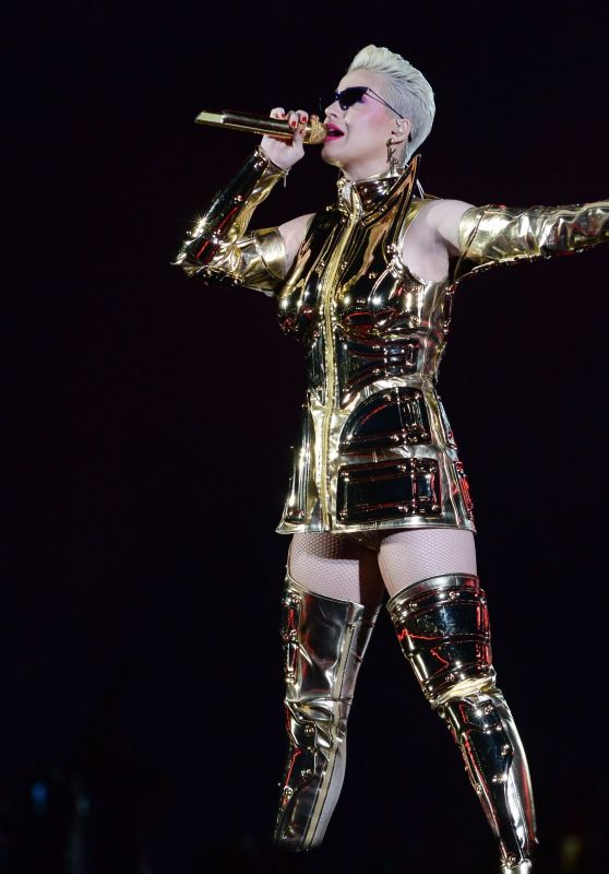 Katy Perry Performs Live at Allianz Parque in Sao Paulo