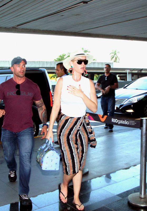 Katy Perry - Rio De Janeiro Airport 03/19/2018