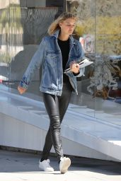 Kelly Rohrbach at Meche Salon in West Hollywood 03/27/2018