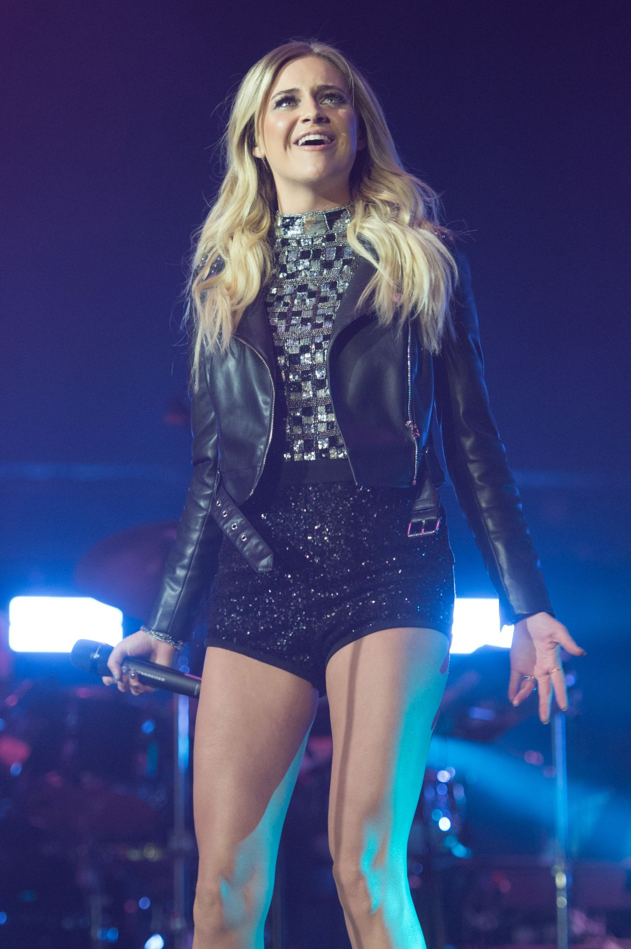 Kelsea Ballerini Performing At C2c Country To Country