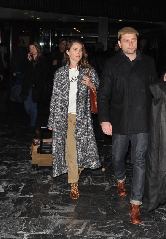 Keri Russell and Matthew Rhys Arrive Into Washington DC